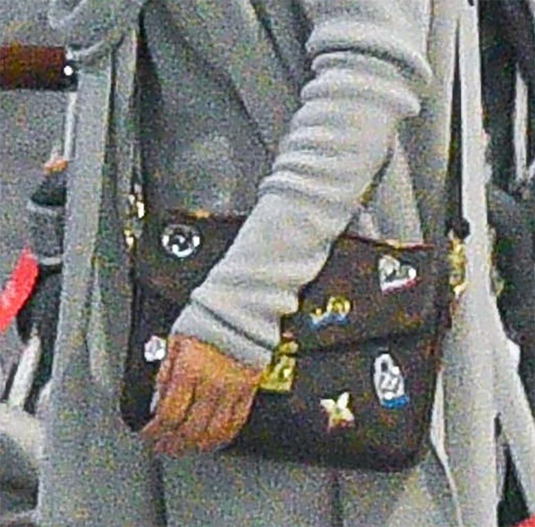 Zdjęcie (15) Małgorzata Rozenek na lotnisku z rodziną. Nie chciała zdradzać, dokąd leci. Wsypała ją inna gwiazda