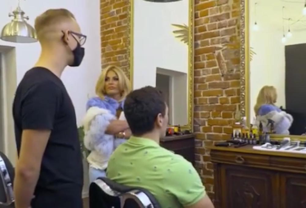 Dagmara Kaźmierska i Conan u barbera