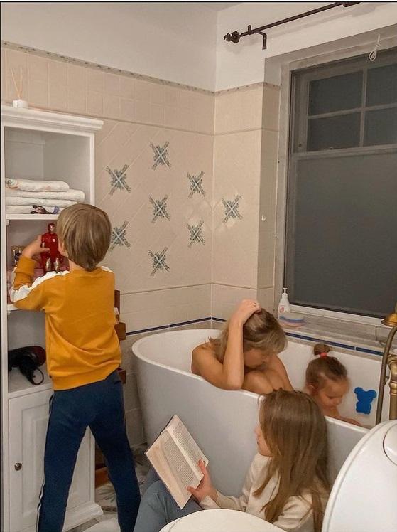 Edyta Pazura z dziećmi