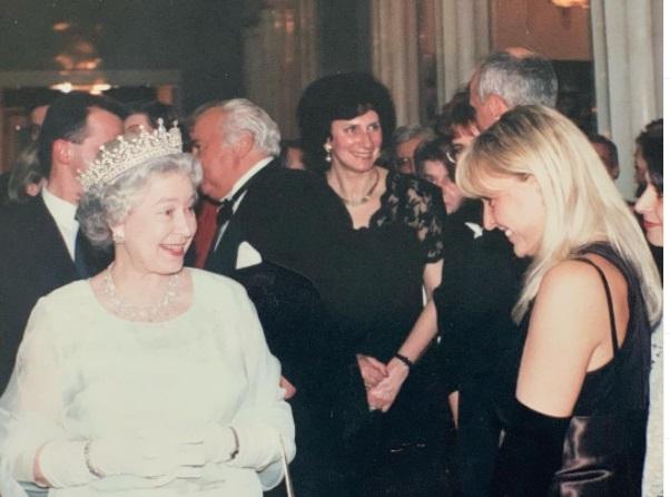 Monika Olejnik i królowa Elżbieta II