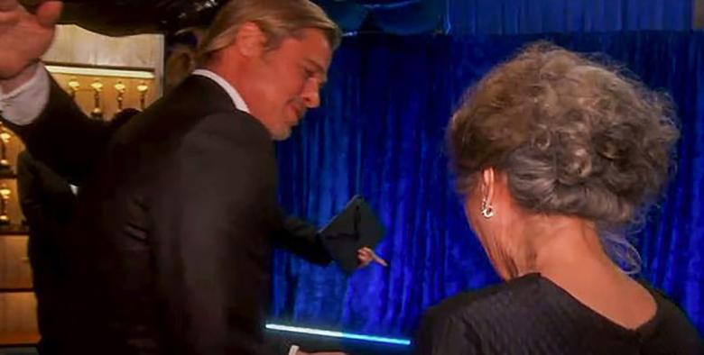 Brad Pitt nosi kucyka, Oscary 2021