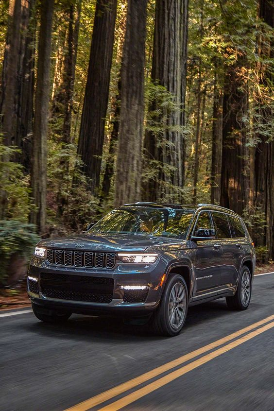 Auta Angeliny Jolie: Jeep Grand Cherokee