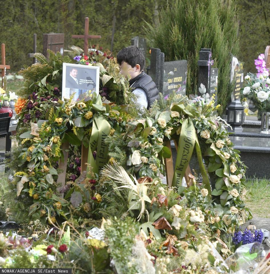 Grób Krzysztofa Krawczyka w miesięcznicę śmierci