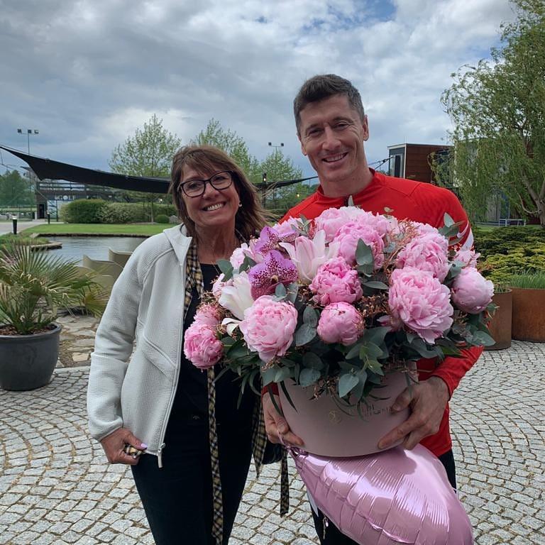 Robert Lewandowski z mamą w Opalenicy