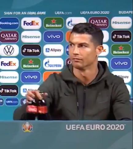 Cristiano Ronaldo bojkotuje Coca-Colę - Euro 2020