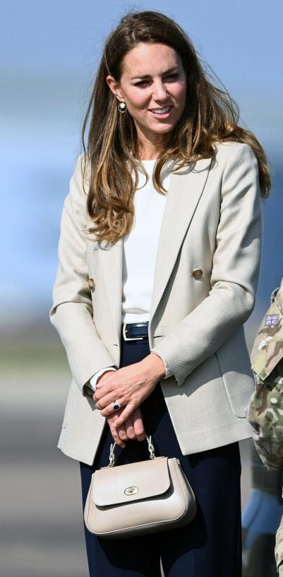 Księżna Kate w Brize Norton w Anglii