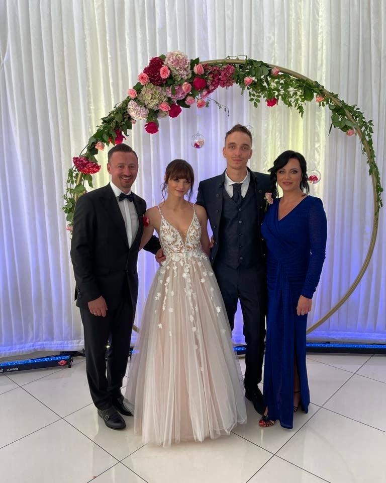 Adam Małysz pokazał zdjęcia ze ślubu Karoliny Małysz