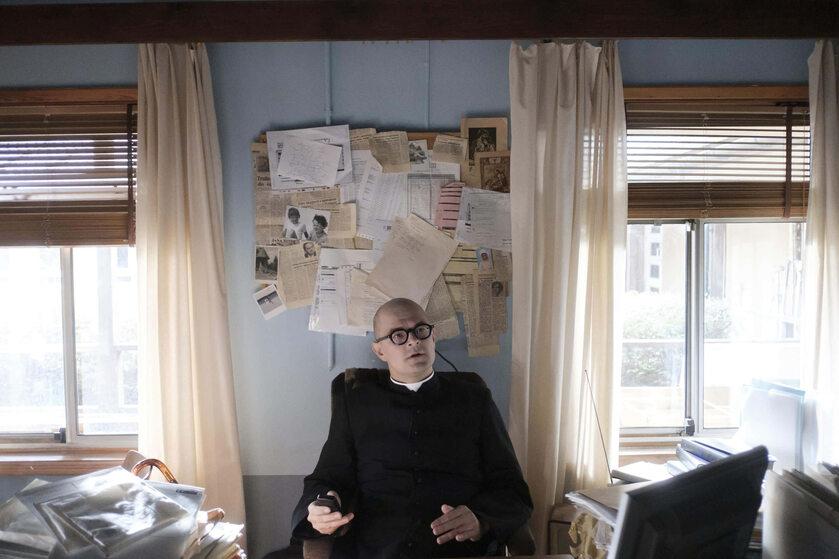 Kadr z filmu o ks. Janie Kaczkowskim